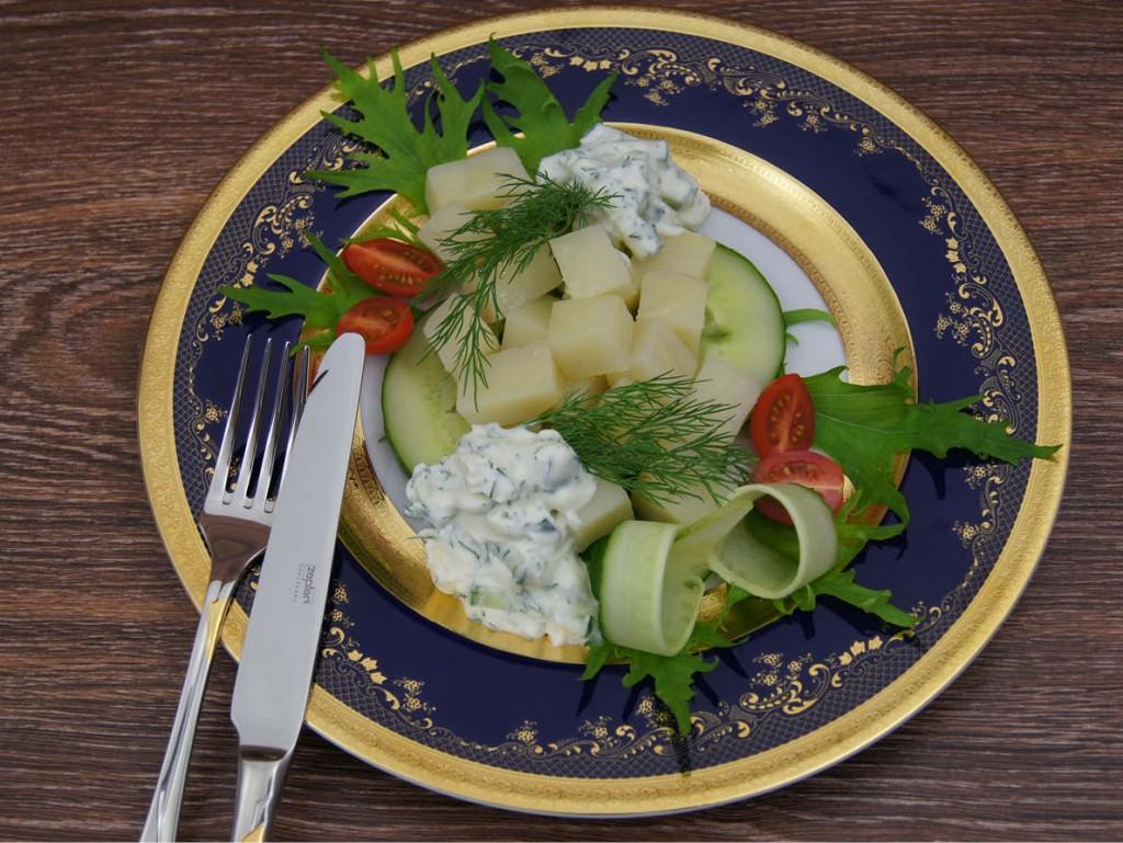Молодой картофель под белым соусом